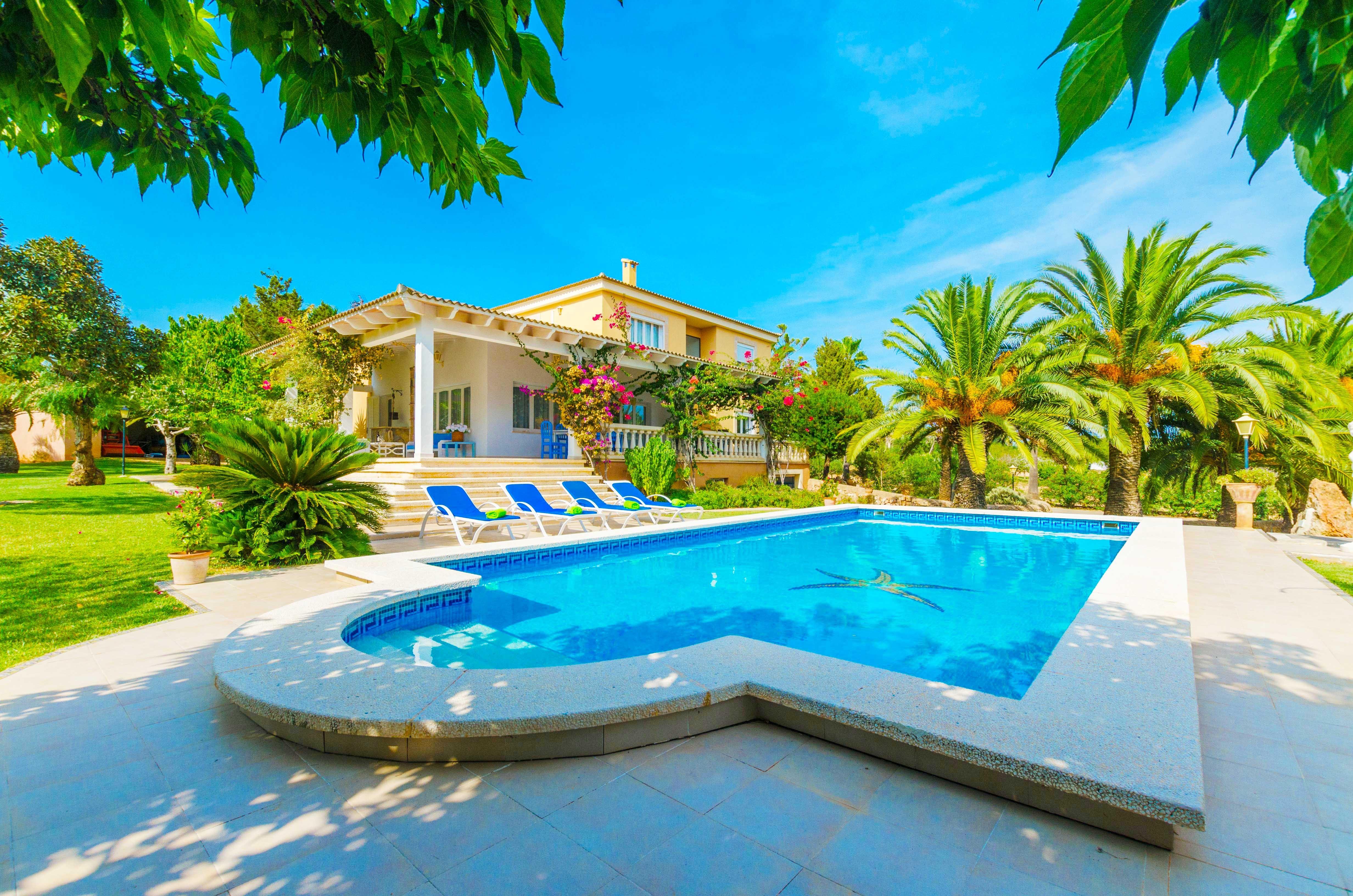 Ferienhaus ses salines 10 personen spanien balearen for Villa bonita precios