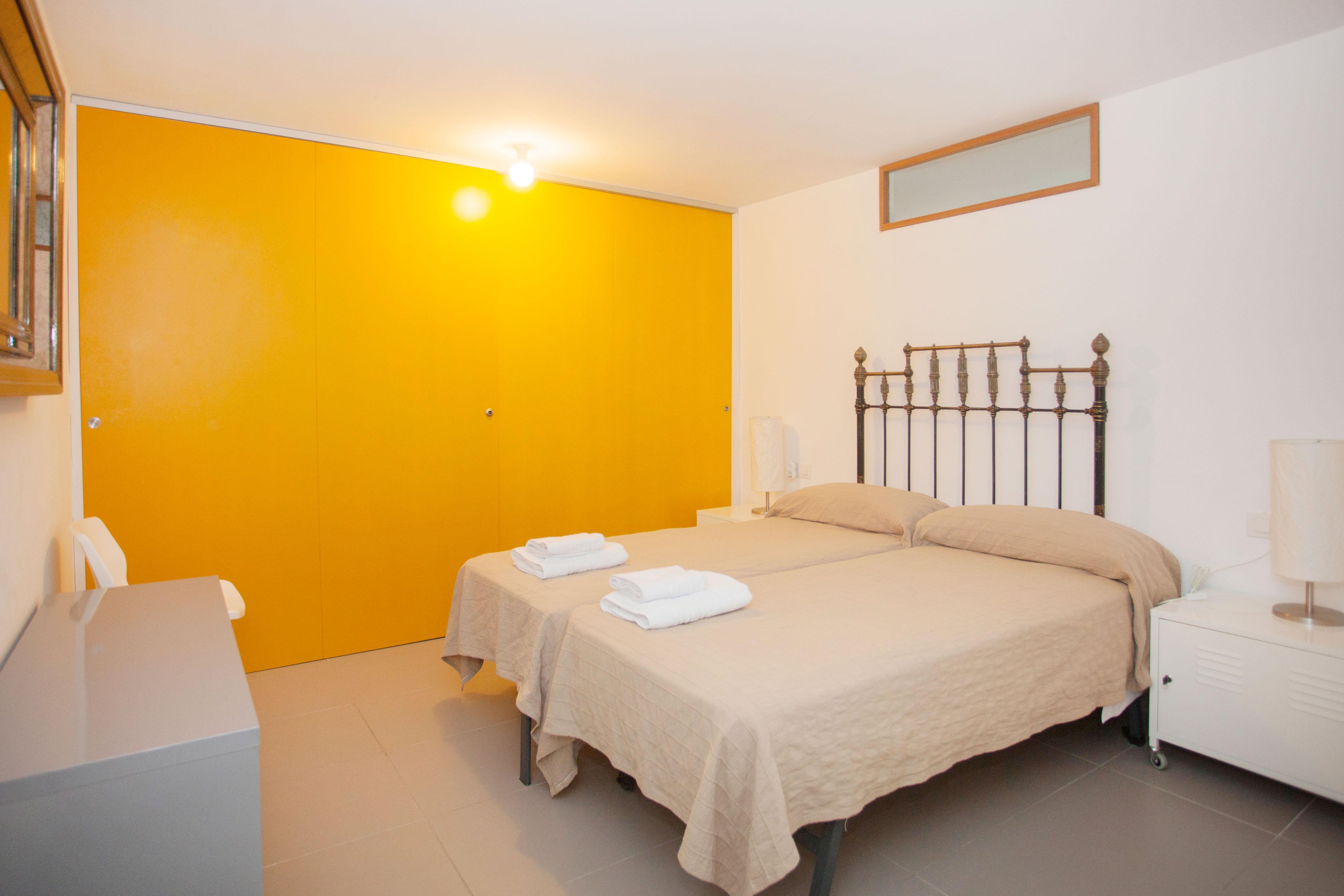 ferienhaus alaro mit klimaanlage f r bis zu 6 personen mieten. Black Bedroom Furniture Sets. Home Design Ideas