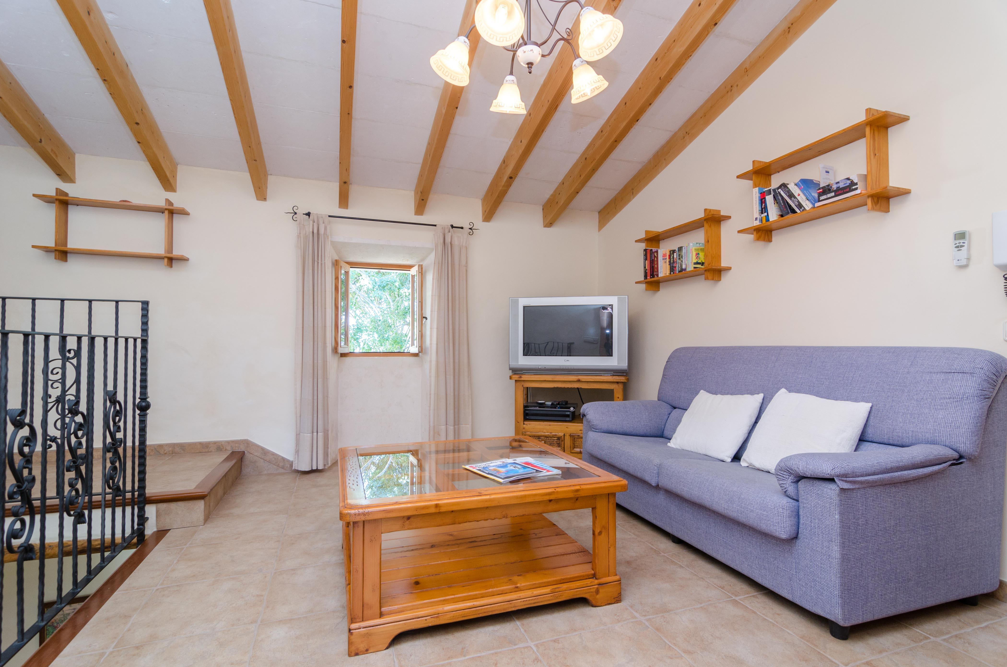 ferienhaus es carritxo mit pool f r bis zu 11 personen mieten. Black Bedroom Furniture Sets. Home Design Ideas